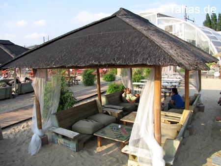 Bambus Auf Der Terrasse : offener bambus pavillon f r garten terrasse tahas ~ Michelbontemps.com Haus und Dekorationen